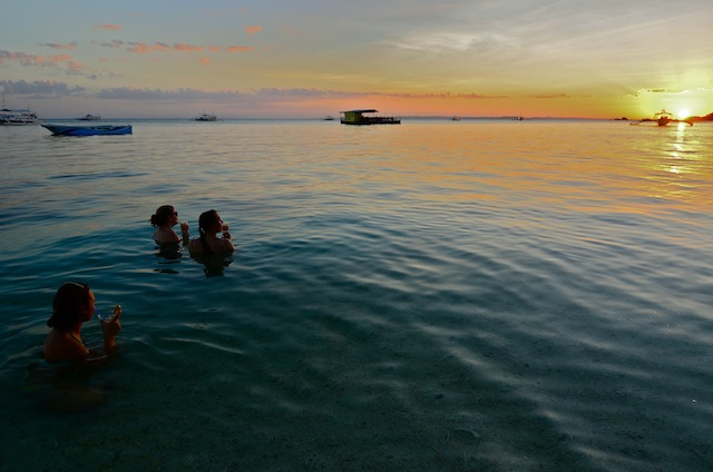 WEEKEND GETAWAY. Malapascua island's beautiful sunset is one of its main attractions. Photo by Aya Lowe