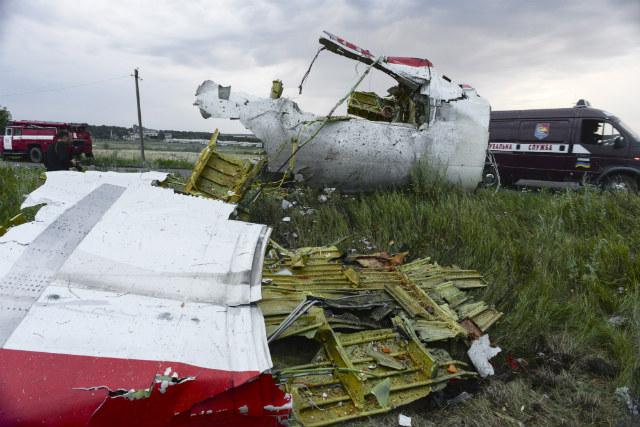 malaysia airlines crash debris - photo #29