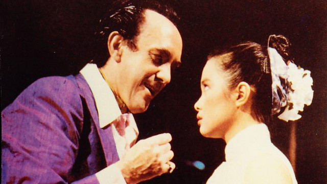 ORIGINAL KIM. A teenage Lea Salonga as Kim (right) with Jonathan Pryce as the Engineer at the world premiere of 'Miss Saigon' in London almost 25 years ago. Image from the Miss Saigon: The 2012 Auditions Facebook page