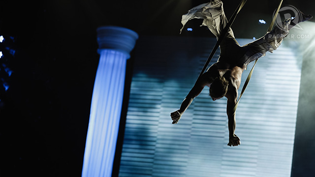 'Flying' men gave a thrilling performance, making the audience hold their breath