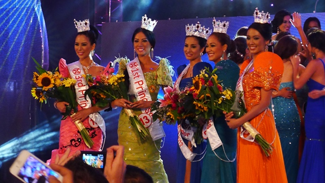 NEW QUEEN. Miss World Philippines crowned Queenierich Rehman (middle, in blue gown) on June 24. Photo by Henson Wongaiham