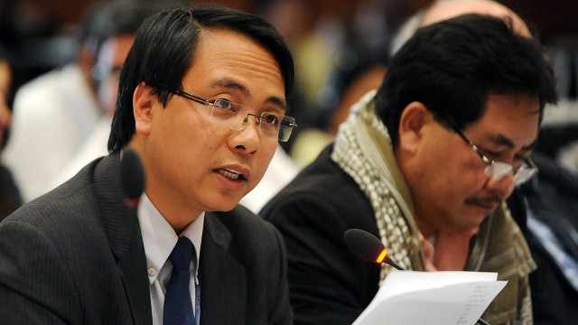 DON'T PROCRASTINATE. Philippine climate envoy Naderev Sano urges delegates to act on climate change as the Philippines reels from the effects of Typhoon Bopha, which killed hundreds. File photo from the International Institute for Sustainable Development  Reporting Services Division. 