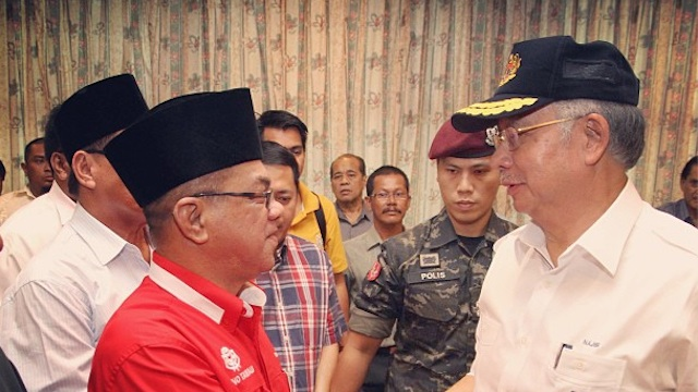 ON SITE. Malaysian Prime Minister Najib Razak visited Lahud Datu to inspect the security operations against Kiram's men. Photo from Najib's account on Instragram