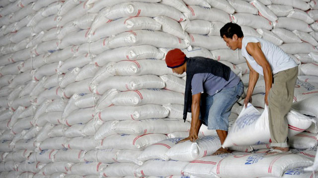 RICE FOR REFUGEES. The government is sending more rice and other food items to Tawi-Tawi, Sulu and Basilan for returning Filipinos and refugees from Sabah. Photo by AFP