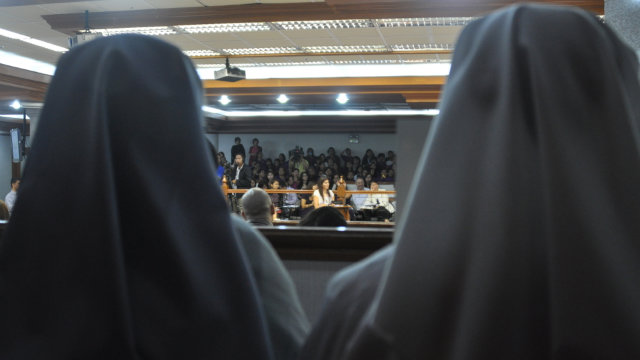 2 nuns present in the senate during the RH bill vote. Photo from Pia Cayetano's Facebook Page