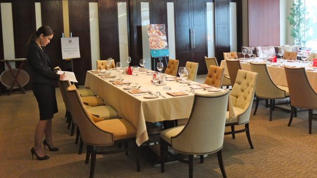 THE OAKROOM DINING AREA at Oakwood Premier Joy~Nostalg in Ortigas