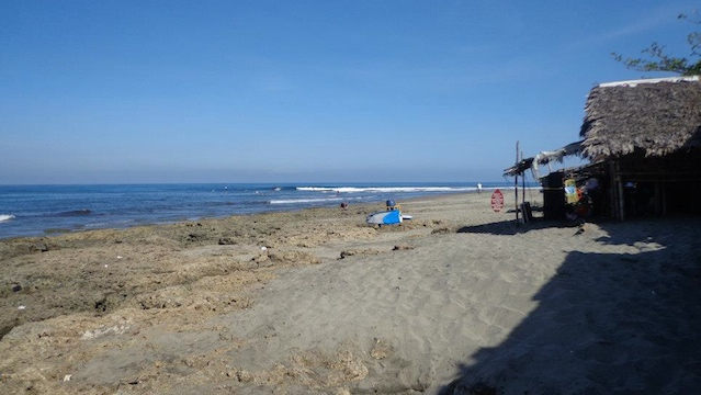 SURFER'S PARADISE. Local and foreign tourists go to La Union to surf each weekend