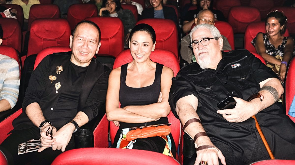 CINEMA GREATS. 'Oro, Plata, Mata' writer Jose Javier Reyes, actress Cherie Gil and director Peque Gallaga at the Cinema One Originals opening night. Photo by Edric Chen