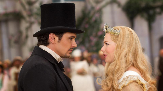 A NEW OZ. James Franco and Michelle Williams star in &quot;Oz the Great and Powerful.&quot; Photo from &quot;Oz the Great and Powerful&quot; Facebook page