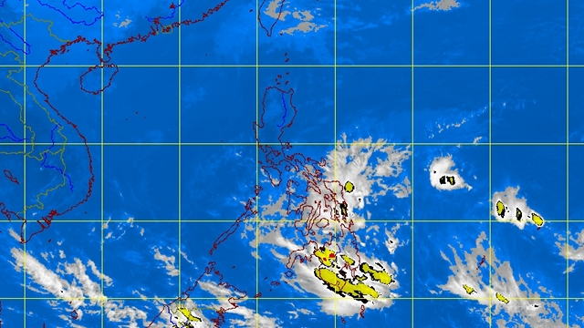 NO LPA. The potential storm south of Mindanao has dissipated. PAGASA satellite image as of 4:01 am