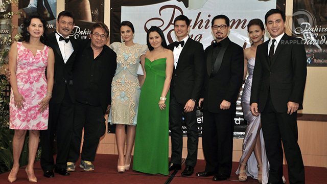 The 'Pahiram ng Sandali' cast with director Maryo J. delos Reyes (3rd from left)