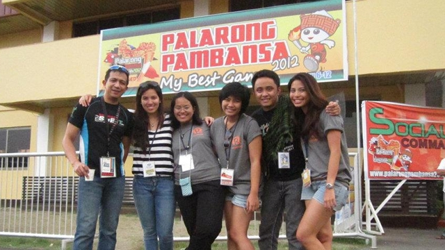 PALARO TEAM. Four interns, including the writer (right-most) with Rappler Natashya Gutierrez (second from left).