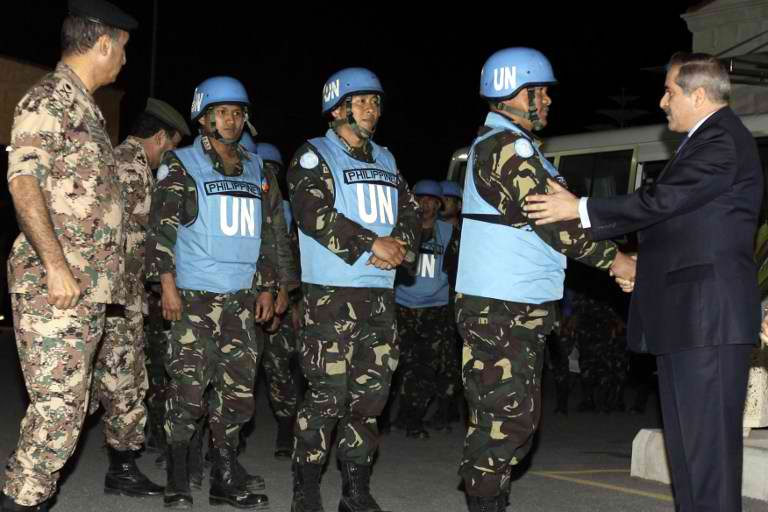 DANGEROUS TERRITORY: Filipino peacekeepers abducted by Syrian rebels in March were eventually released. AFP photo