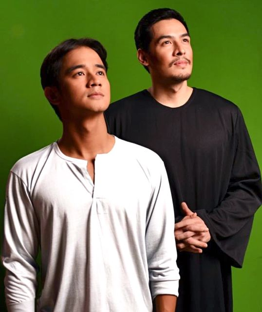 JM DE GUZMAN AS Pedro Calungsod and Christian Vasquez as Padre Diego Luis de San Vitores. Image from Mell T. Navarro's Facebook page