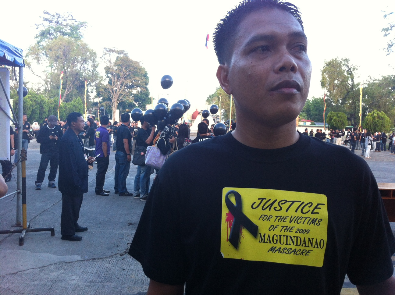 JUSTICE FOR THE VICTIMS. Attendees of the commemoration wore shirts that asked for justice for the victims of the Maguindanao massacre that left 58 dead, 32 of whom were journalists. Photo by Ferdinandh Cabrera.