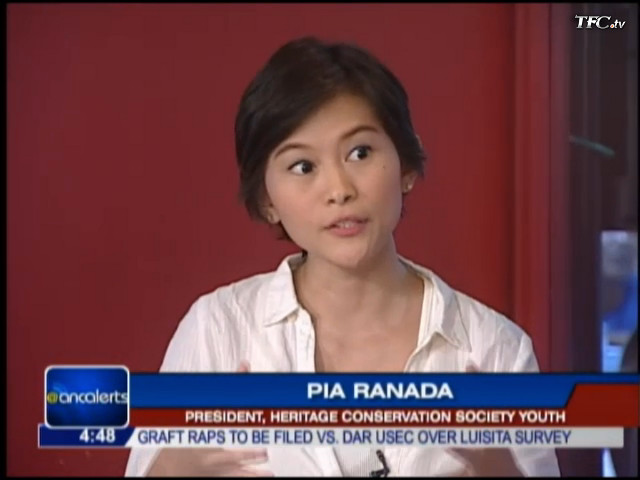'SAVE OUR SUNSET.' Rappler's Pia Ranada invites people to join the Manila Bay human chain on February 12