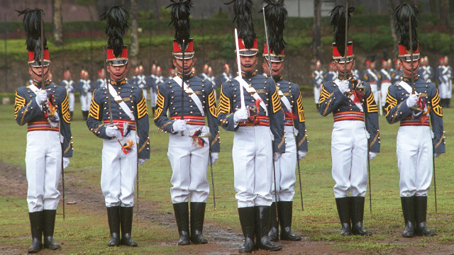 LONG GREY LINE. Philippine Military Academy's Siklab Diwa batch graduates on March 16, 2014. Photo from Newsbreak Archives