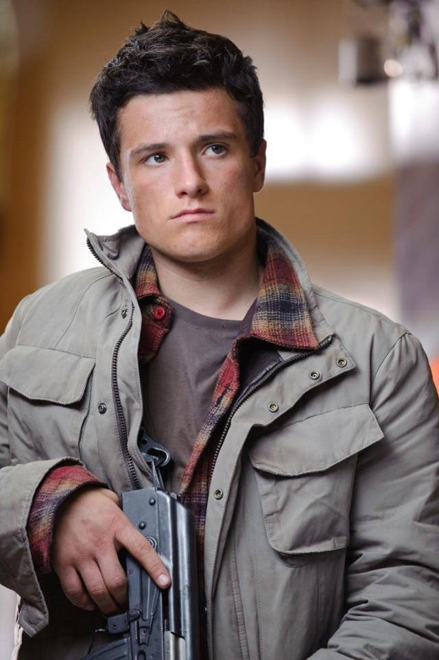 The Hunger Games' Josh Hutcherson plays Robert Kitner