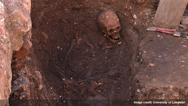 The remains of English king Richard III being excavated. Image courtesy of the University of Leicester.