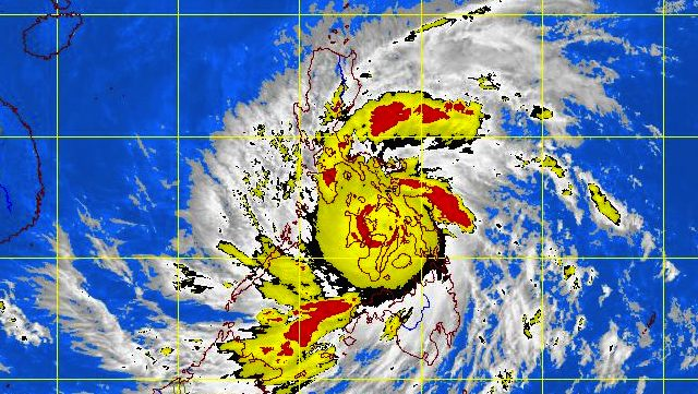 Most Powerful 2013 Storm Hits Ph