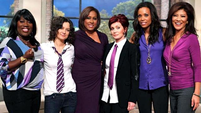 Sharon and her The Talk co-hosts wore purple last October 19 for #SpiritDay. Image from the Sharon Osbourne Facebook page