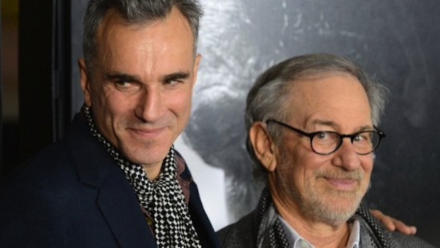 Cast member Daniel Day-Lewis (L) and director Steven Spielberg arrive for the closing night Gala Screening of 'Lincoln' at the AFI Fest in Hollywood, California on November 8, 2012. AFP PHOTO / Robyn Beck