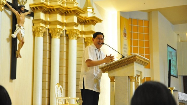 LAUGHING BISHOP. Manila Archbishop Luis Antonio Tagle is known for his sense of humor. File photo from Tagle's Facebook page, courtesy of Jesuit Communications