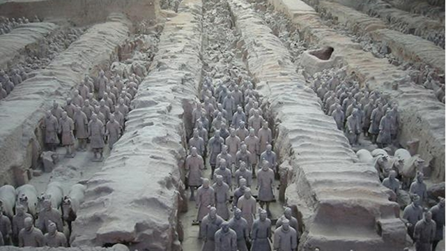 CHINESE RUINS. Old museum of Qin Shihuang's terracotta warriors and horses. Photo from www.sxfao.gov.cn
