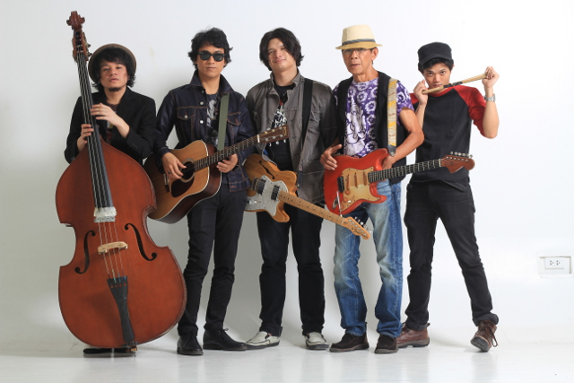 ROCK-AND-ROLLERS. The Oktaves' (from left) Ivan Garcia, Ely Buendia, Chris Padilla, Nitoy Adriano, and Bobby Padilla