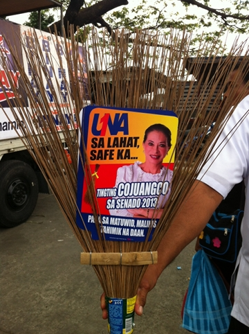 'NOT JUST STRAIGHT BUT CLEAN PATH.' UNA senatorial candidate Tingting Cojuangco gives out a unique freebie, one that she says is practical and will help voters remember her name. Photo by Ayee Macaraig