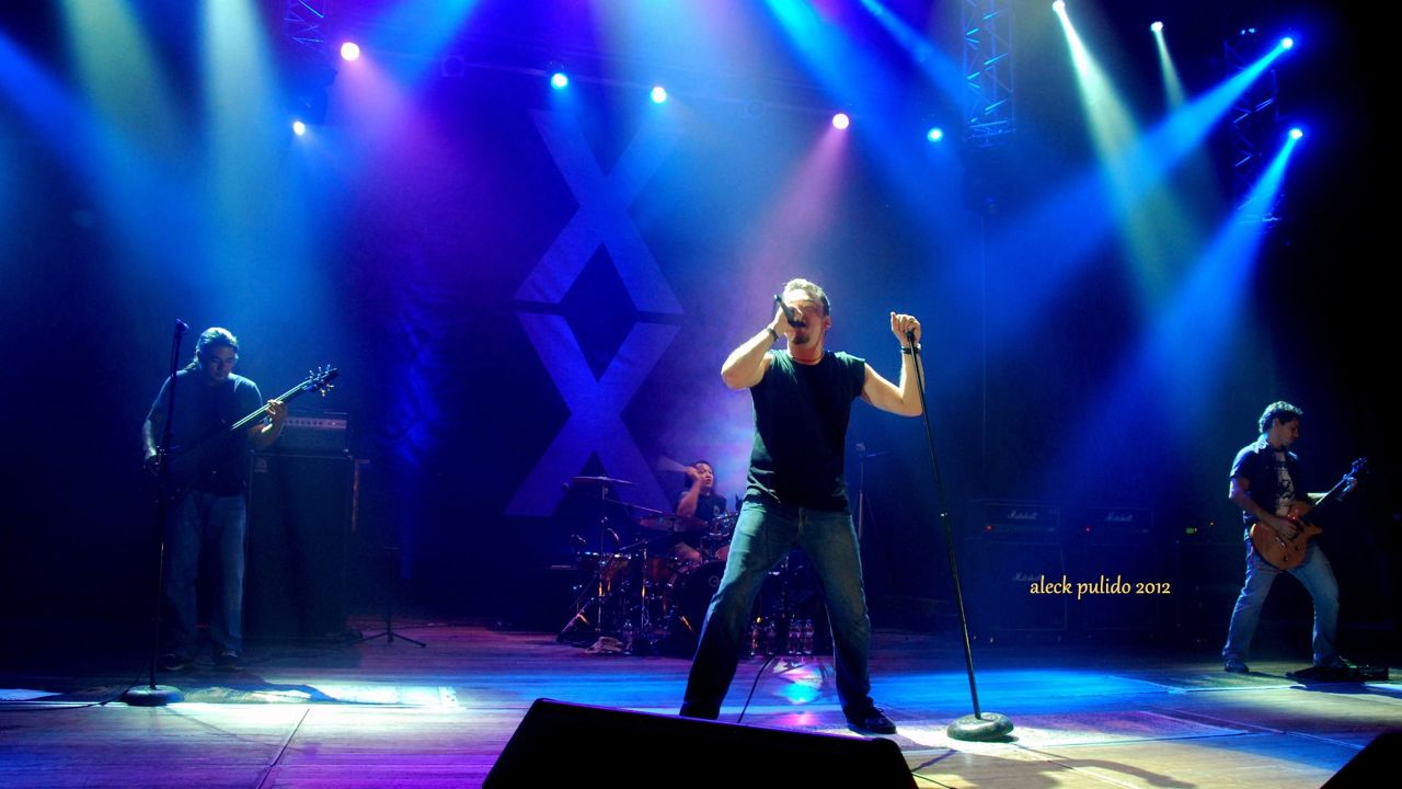 ANOTHER 'X' PLEASE. Wolfgang showed their fans that, after 20 years, they still rock. Photo by Aleck Pulido from the Wolfgang Philippines Facebook page