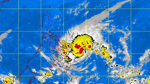 LAST STORM OF 2012? Tropical depression 'Quinta' approaches northern Mindanao and Visayas. Satellite image at 5.30 am courtesy of PAGASA