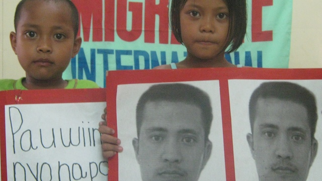 BLOOD MONEY to save their dade. Zapanta's children appeal for 'blood money'. Photo courtesy of Migrante Ingternational