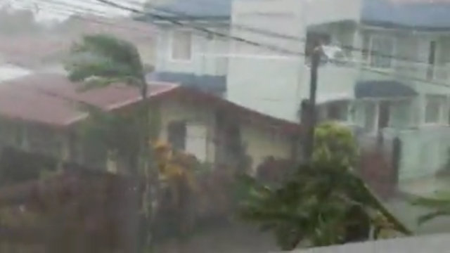 IN THE PATH OF A STORM SURGE. Project NOAH was able to predict a day before Typhoon Yolanda that Tacloban would experience a 4.5-meter (14.7 feet) storm surge. Screen shot from Facebook video of Karl Jake