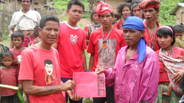 Manobo chief learns to write for his tribe