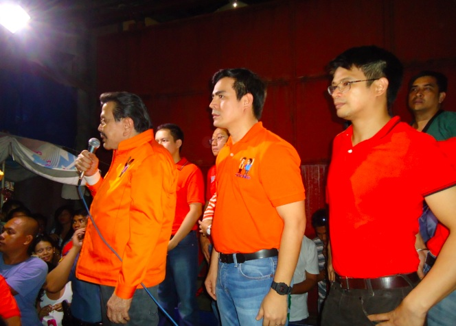 MANILA OPPOSITION. (From left) Mayoral candidate Joseph Estrada, re-electionist Vice Mayor Isko Moreno, and Councilor Yul Servo. Photo by Jerald Uy