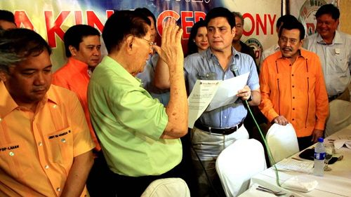 NO CHEATER. Former President Joseph Estrada defends Miguel Zubiri, saying he did not cheat in the 2007 polls. File photo from Senate website