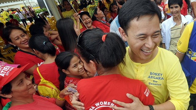 Photo from Sonny Angara's Facebook page