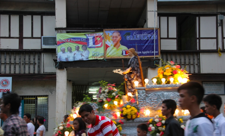 EARLY CAMPAIGNING. Liberal Party bets' tarpaulins at the old Dapitan City Hall on Good Friday. Photo by Gualberto Laput