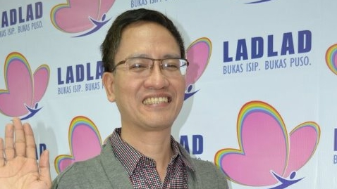 FIRST GAY SENATOR? Vice President Jejomar Binay says homosexuality is not an issue in considering gay rights activist Danton Remoto to be part of UNA's senatorial slate. File photo from Ladlad's Facebook page