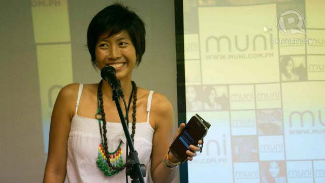 MUNI MOVER. Jen Horn, founder of Muni PH, addresses workshop participants