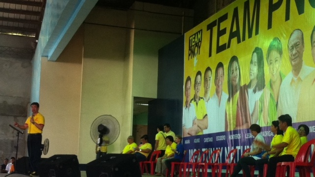 EMPTY STAGE. Few Team PNoy bets showed up in Sultan Kudarat to the dismay of locals. Photo by Natashya Gutierrez.
