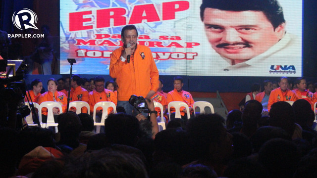 ACCEPT MONEY BUT DON'T SELL YOUR VOTE. Former President Joseph Estrada urges voters in Manila to accept money from his political rivals but vote for him instead. Rappler/Ervin Aroc