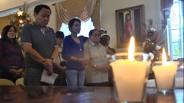 LOCAL ALLIES. UNA is allied with the local One Cebu party of suspended Gov Gwen Garcia (3rd from left) and Team Rama of Cebu City Mayor Michael Rama. File photo by Adrian Portugal