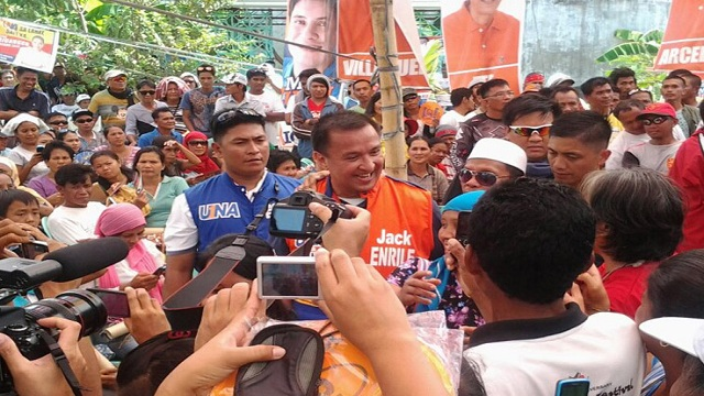 UNA TERRITORY? The candidates, like Jack Enrile (in photo), are not worried about small crowds. Region 12 has always gone for opposition senatorial slates. Photo by Boyette de la Cerna