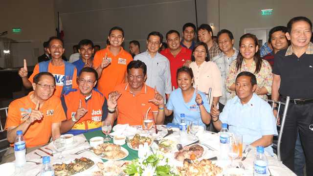 LP STILL. LP's Albay Gov Joey Salceda flashes the LP sign while UNA leaders and candidates with him pose with their own sign. Photo from OVP Media