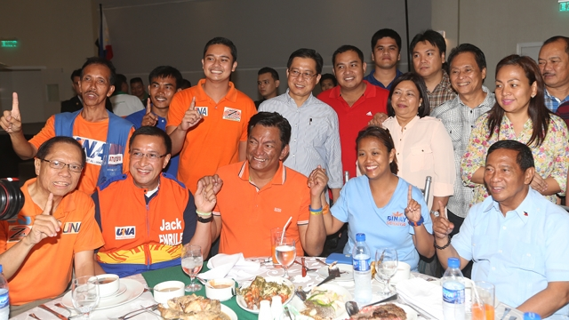 JUST HOSPITABLE. Albay Gov Joey Salceda of the Liberal Party says he was just being hospitable in meeting and dining with Vice President Jejomar Binay and UNA senatorial bets. Photo from OVP Media