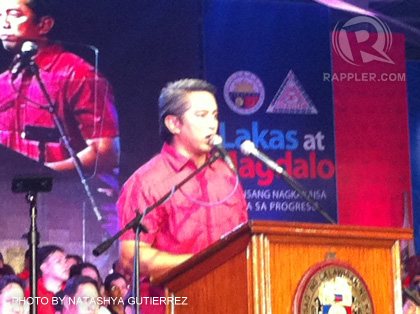 CAVITE'S GOVERNOR. Incumbent Gov Jonvic Remulla speaks to hundreds of Caviteños in attendance to support the Lakas-Magdalo partnership. September 25, 2012.