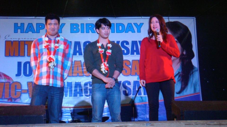 FAMILY AFFAIR. Zambales Rep Mitos Magsaysay with sons Vic-Vic and Jobo. Photo from Magsaysay's Facebook account.