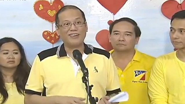 FINDING LOVE. President Aquino said he will try to find someone to talk to over the Internet on Valentine's Day. Screengrab from RTVM